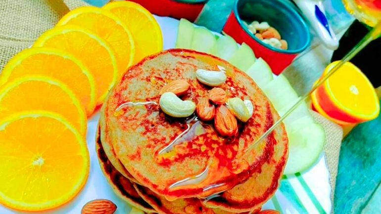 Fluffy and Spongy Oats Banana Pancake
