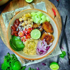 Home Made Salad - Mediterranean Quinoa Patties & Hummus buddha bowl (Vegan And Gluten-Free)